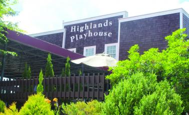 Highlands Playhouse will roll out the red carpet at 6 p.m. on Sunday.
