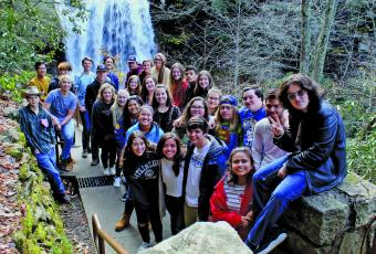 Highlands School class of 2020 at Dry Falls.